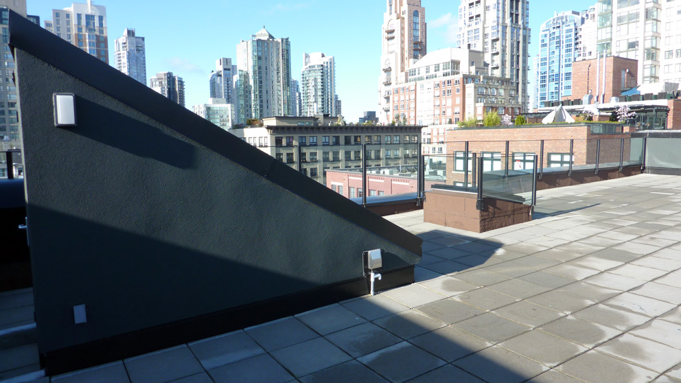 The Percival - Yaletown Condos Roof Top Deck Glass ...